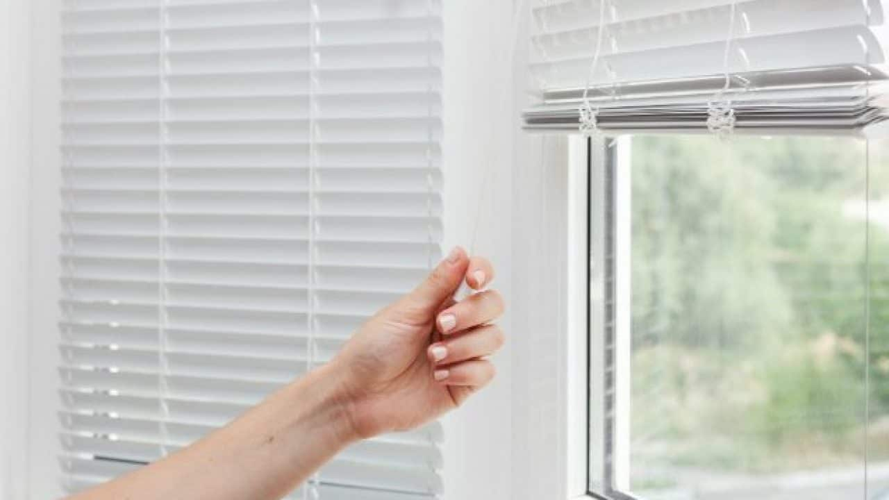How To Steam Clean Blinds The Fast