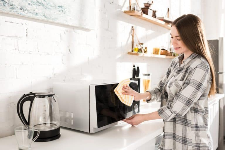 How to Steam Clean a Microwave (Vinegar & Baking Soda Hacks)